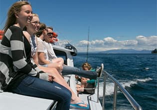 peoplestarboard400x300 Lake Taupo Cruises | Taupo Charters | Private Charters {keyword}